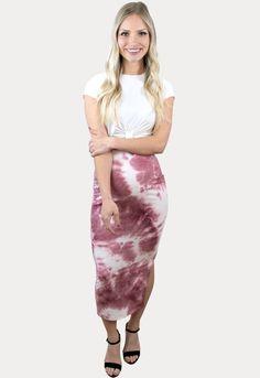 """Tie Dye Styles for Summer"" Maternity Skirt, Cute Maternity Outfits, Pregnancy Outfits, Maternity Tees, Tie Dress, Tie Dye Skirt, Sexy Skirt, Purple Dress, Short Dresses"