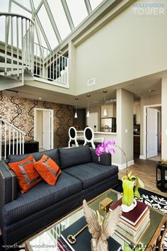 Hollywood Tower Apartments. Apartment Living
