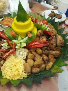 Catering tumpeng 085692092435: 0811-8888-516 Nasi Tumpeng Enak Di Jakarta Timur