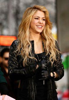485 Best Celebrities   Entertainment images   Celebrities, Beautiful ... 9ad15dafd867