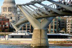 Queen's Walk London walking route