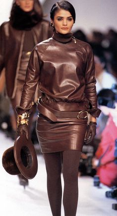 Helena Christensen in a stylish brown Leather Outfit by Christian Dior Fashion Weeks, 90s Fashion, Fashion Models, Vintage Fashion, Womens Fashion, Fashion Outfits, Helena Christensen, Brown Fashion, Leather Fashion