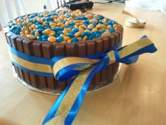 Blue & Gold Banquet Auction Cake~love this but where do you get the m? Wolf Scouts, Tiger Scouts, Cub Scouts, Yummy Treats, Sweet Treats, Cub Scout Activities, Scout Mom, Scout Camping, Eagle Scout