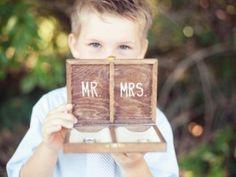 kind brengt trouwring