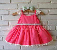 O aniversário da Luana, aconteceu dia 5, em Recife!!!!!   A mamãe Thatiane, viu este vestido no blog e nos pediu um igual para combin...