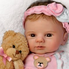 Poseable baby doll by Violet Parker in pink cotton sleeper with teddy bear applique. With plush teddy bear. Real Looking Baby Dolls, Real Baby Dolls, Realistic Baby Dolls, Cute Baby Dolls, Real Doll, Baby Girl Dolls, Reborn Babypuppen, Reborn Dolls, Reborn Babies