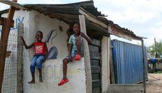 Des enfants dans le township de Diepsloot, en Afrique du Sud | One Footprint On The World South Africa, Colour, Photography, World, Children, Color, Photograph, Colors, Fotografie
