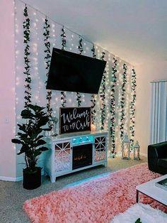 Cute Bedroom Decor, Bedroom Decor For Teen Girls, Girl Bedroom Designs, Teen Room Decor, Room Ideas Bedroom, Bedroom Inspo, Bedroom Wall, Wall Decor, Space Theme Bedroom
