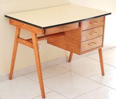 bureau vintage, bois clair, formica, style, forme et fonction, lucinevintage