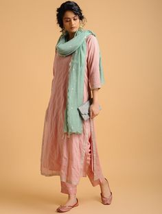 Pink Aari-embroidered Cotton Kurta with Slip (Set of Salwar Designs, Silk Kurti Designs, Kurta Designs Women, Kurti Designs Party Wear, Blouse Designs, Pakistani Dress Design, Pakistani Outfits, Indian Outfits, Kurti Designs Pakistani