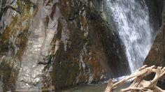 Wasserfälle von Setti Fatma im Ourika-Tal, Hoher Atlas, Marokko: Tosend stürzt das Wasser ins kleine Becken Marrakech, Mountains, Nature, Small Blankets, Morocco, Naturaleza, Bergen, Scenery