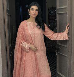 Beautiful Pakistani Dresses, Pakistani Wedding Dresses, Pakistani Dress Design, Pakistani Outfits, Pakistani Models, Pakistani Designers, Pakistani Actress, Embroidery On Kurtis, Kurti Embroidery Design