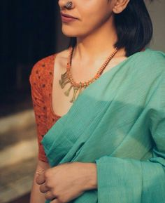 How to Select the Best Modern Saree for You? Simple Sarees, Trendy Sarees, Ethnic Sarees, Indian Sarees, Ethnic Outfits, Indian Outfits, Indian Clothes, Formal Saree, Modern Saree