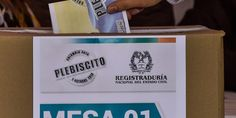 Colombians Vote In Historic Peace Referendum