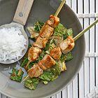 Savooiekool met pindasaus, rijst en kipsaté - recept - okoko recepten