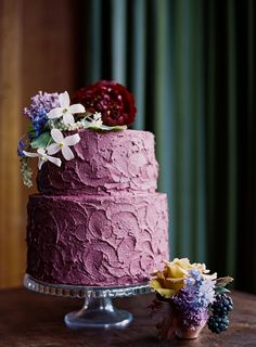 Radiant orchid colored cake: http://www.stylemepretty.com/2014/09/23/15-ways-to-infuse-radiant-orchid-into-your-fall-wedding/