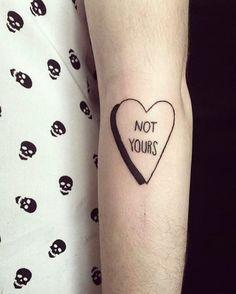 """No soy tuya"""