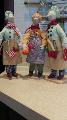 Adorable chefs! My kitchen is decorated with chefs; I'll have to add some of these!