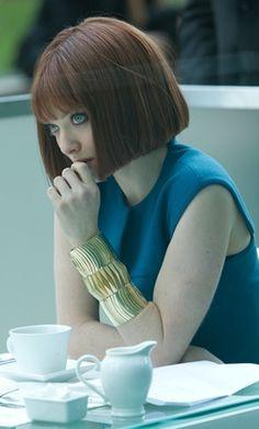 Amanda Seyfried - bob hair. I want this hair cut sooo bad.