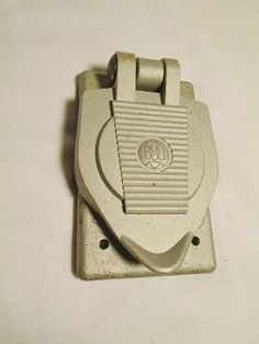 Hubbell Wet Location Outlet Cover Crouse-Hinds Body Oval Industrial Outdoor #Hubbell