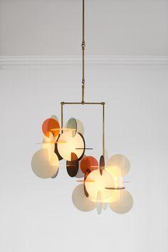Diciotto X2 short ceiling lamp di Vibeke Fonnesberg Schmidt  Denmark, 2014  Brass, plexiglass