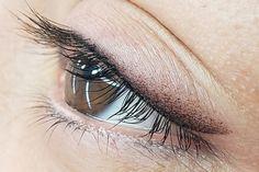 Eyeliner Tattoo, Makeup Tattoos, Eyebrow Tattoo, Permanent Eyeliner, Permanent Tattoo, Eyeliner Techniques, Eyeliner Styles, Eye Liner Tricks, Wedding Makeup