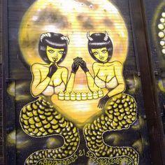 What do you see? Skull or devils? Made by SAKI &B ... ... follow us @arty.city #streetartistry #artstreet #arteurbano #shoreditch #london
