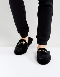 online retailer 65da7 45c74 Get this Dunlop s slippers now! Click for more details. Worldwide shipping.  Dunlop Slip