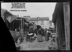 El Rastro hacia 1900 archivo Azpiazu Foto Madrid, Street View, San Bernardo, Twitter, Scenery, Old Pictures, Fotografia, Computer File, Past Tense