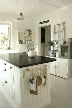 white room decor - kitchen