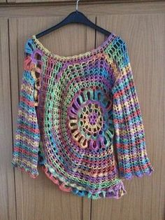 Crochet Patterns Poncho I once made this circle sweater for myself. I crocheted him after de … Crochet Pullover Pattern, Poncho Knitting Patterns, Crochet Jacket, Crochet Blouse, Form Crochet, Knit Crochet, Hippie Pullover, Black Crochet Dress, Crop Tops