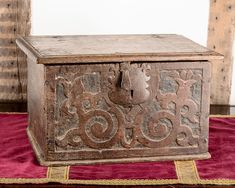 Charles II carved oak box of tiny proportions, the front carved with floral scrolls, original hinges, lock plate and hasp. Medieval Furniture, Antique Furniture, Painted Furniture, Tudor Decor, Furniture Risers, Antique Wooden Boxes, Wooden Trunks, Buy Furniture Online, Miniature Crafts