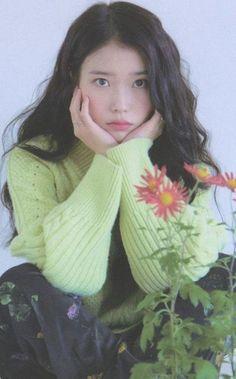 Top 10 Most Successful and Beautiful Korean Drama Actresses the list. - Top 10 Most Successful and Beautiful Korean Drama Actresses the list of top 10 most succ - Korean Celebrities, Beautiful Celebrities, Celebrities Hair, Korean Model, Korean Singer, Kpop Girl Groups, Kpop Girls, Iu Fashion, K Idol
