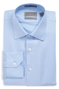 Traditional Fit Non-Iron Solid Dress Shirt