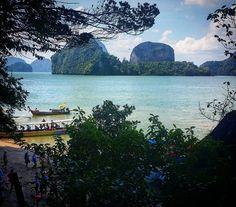 Because I just love Thailand... #amazing #amazingview #amazinviews #paisaje #paisajes #increiblepaisaje #relax #relaxingtime #relaxing #ilovethisplace #ilovetraveling #beautifuldestinations #landscape #landscape_lovers #landscapes #water #agua #beautiful #vistas #viws #viw #vista #playa #thailand #tailandia #beach #beaches #turquoise #pictureoftheday by elmundodesdemiventana