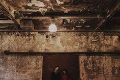 People Producciones · Fotógrafos de bodas en Madrid · Preboda · Sesión de pareja · El Matadero · Industrial · Engagement session · Destination wedding photographer · Couple