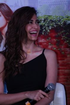 Kriti Kharbanda at the Press Conference of film Guest Iin London on July 2017 Bollywood Images, Bollywood Actress Hot Photos, Bollywood Girls, Bollywood Stars, Bollywood Fashion, Photos Of Priyanka Chopra, Kirti Kharbanda, Celebrity Wallpapers, Most Beautiful Indian Actress