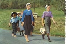 Amish Kids going to School in Pennsylvania