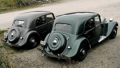 Vintage Cars Classic Citroën Traction Avant by Flaminio Bertoni - A couple of pre-war Tractions resting somewhere in the Norwegian mountains. French Classic, Classic Mini, Classic Cars, Citroen Van, Psa Peugeot Citroen, Black Steel Wheels, Vintage Cars, Antique Cars, Lamborghini