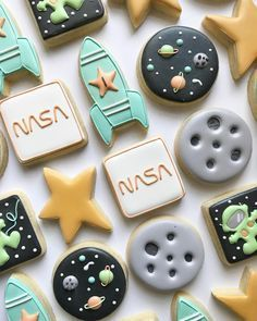 Cute cookie decoration for a space party! - Two the Moon party Themes, Ideas, Images Space Baby Shower, Outer Space Party, Outer Space Crafts, Moon Party, Cute Cookies, Baby Cookies, Heart Cookies, Birthday Cookies, Cake Birthday
