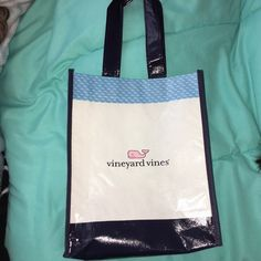 Vineyard Vines reusable bag New used Vineyard Vines reusable bag!  5$ for one or Free with a purchase of a purse/tote in my closet!! Vineyard Vines Bags