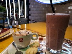 Shake and coffee dessert