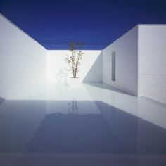 White+Cave+House+by++Takuro+Yamamoto+Architects Tbh this just looks frightening and too sterile