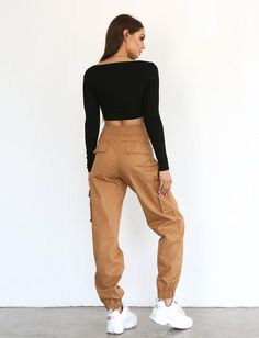 Aliyah Cargo Pant – Deep Tan For other models, you can visit the category. Jogger Outfit, Cargo Pants Outfit, Cargo Pants Women, Pants For Women, Clothes For Women, Outfits For Teens, Casual Outfits, Cute Outfits, Fashion Outfits