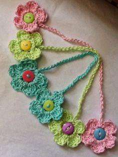 "The ""Crochet Flower Bookmark"" FREE Pattern!!! ♡ •✿•  Teresa Restegui http://www.pinterest.com/teretegui/ •✿•"