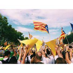 11 september: Barcelona celebrates the Diada Nacional de Catalunya, with flags and festivities across the city. #Barcelona #diadanacional