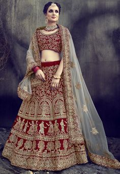 Looking for Lehenga Online: Buy Indian lehenga choli online for brides at best price from Andaaz Fashion. Choose from a wide range of latest lehenga designs. Bridal Lehenga Online, Designer Bridal Lehenga, Indian Bridal Lehenga, Lehenga Choli Online, Ghagra Choli, Lehenga Anarkali, Lehnga Dress, Bollywood Lehenga, Sari Blouse
