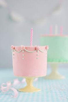 tiny little pink cak