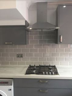 Metro Light Grey Wall Tile from Tile Mountain only per tile or per sqm. Order a free cut sample, dispatched today - receive your tiles tomorrow Grey Kitchen Wall Tiles, Kitchen Splashback Tiles, Kitchen Interior, Home Interior Design, Kitchen Design, Kitchen Reno, Kitchen Layout, Kitchen Ideas, Light Grey Kitchens
