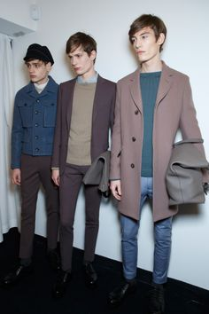 View all the photos from backstage at the Gucci men's autumn (fall) / winter 2014 showing at Milan fashion week. Mode Masculine, Mens Fashion, Fashion Outfits, Fashion Trends, Milan Fashion, Looks Style, My Style, Bcbg, Vetement Fashion